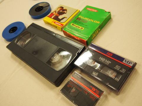 再生できなくなった8mmフィルムをDVDに変換するサービス