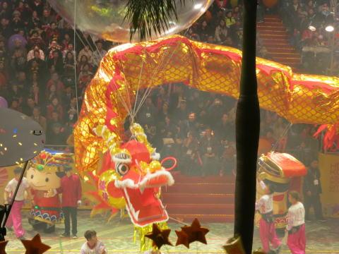 旧正月イベント チムサーチョイのナイトパレード