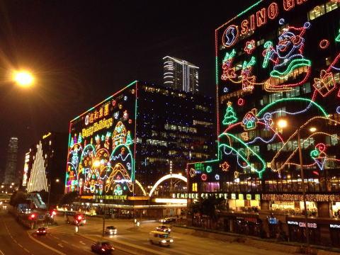 チムサーチョイのクリスマスイルミネーション 2012