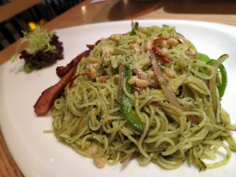最悪に不味いスパゲティを奥维诗西餐厅で食べたよ。。。