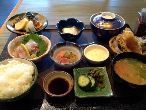 ホテル ニッコーの「嵯峨野」で日本食ランチを堪能する