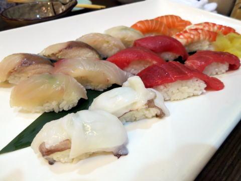 南山 日本料理 加藤で寿司を食べる