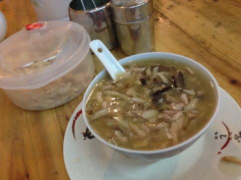 深セン 龍王膳龍餐庁(ロンワンサンロンチャンティン)で蛇スープ!