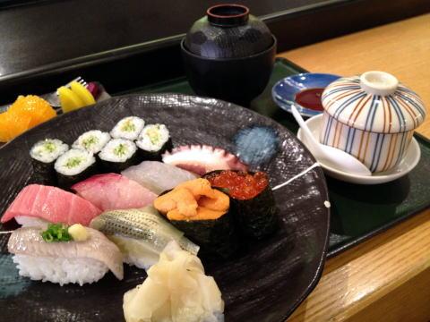 銅鑼灣の寿司 天勺のランチがお値打ち価格でイイ!