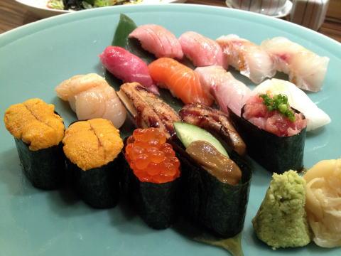 千里之月鮨旬菜(日本料理 千里の月)で高級寿司