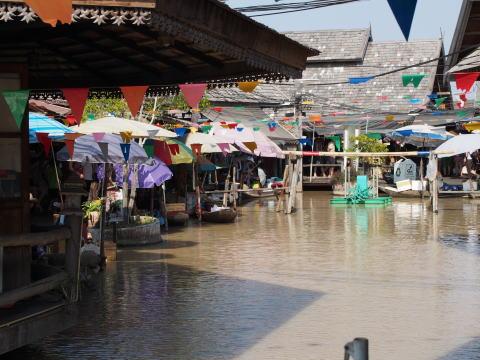 [タイ・パタヤ] パタヤ水上マーケットは超微妙・・・