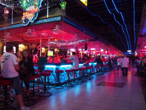 [タイ・パタヤ] ウォーキングストリート & JF無料のホテル