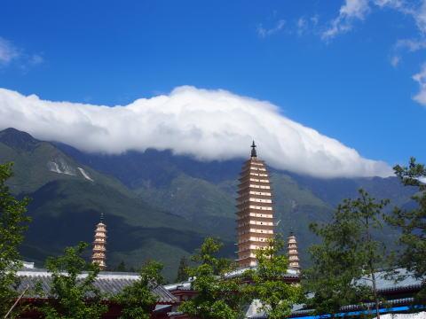[大理] 大理古城から崇聖寺三塔を見て洱海の絶景を楽しむサイクリング