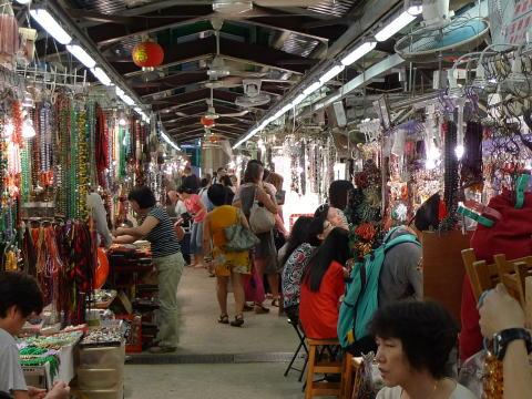 香港の翡翠市場(ジェードマーケット)でお土産をゲット