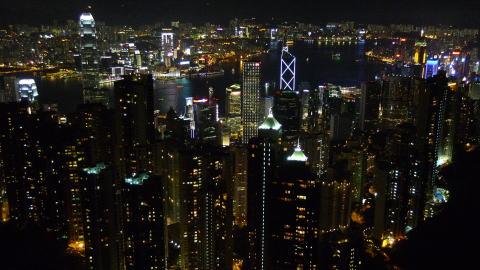 ビクトリアピークで100万ドルの夜景を堪能する
