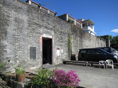 元朗 錦田吉慶園で客家人の城壁村を見る