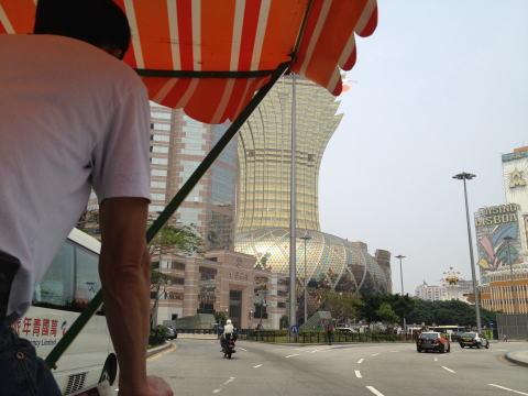 マカオを自転車観光! 人力三輪車(ペディキャブ)に乗ってみた