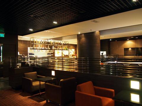 香港空港の到着ロビーにPlaza Premium Loungeを発見!